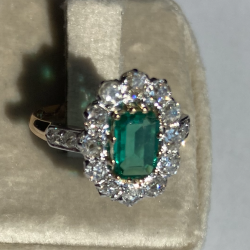 EMERALD COLOMBIEN, WITH DIAMONDS OLD CUT. 18K GOLD
