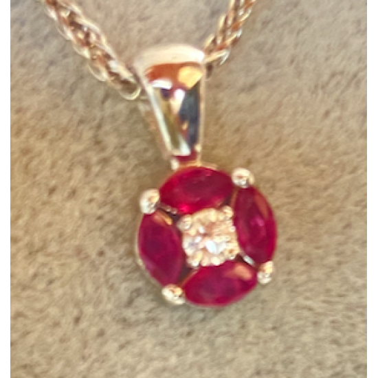 Pendant with white gold and rubis. Center Diamond