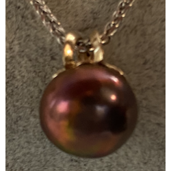 pendant with Obergine Parle