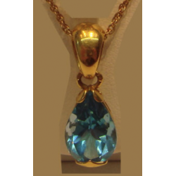 Topaz 2.5ct Peandent in Yellow 18K Gold