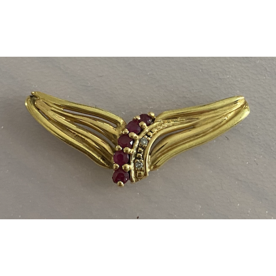 PENDENT WITH RUBIS AND DIAMONDS